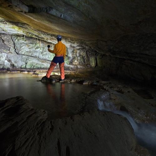 www.swiss-lapp.ch_IMG_1433_Swiss_BeatusHoehle_Eingangshöhle_Adventure_klein