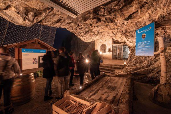 Höhlenraclette01_2019